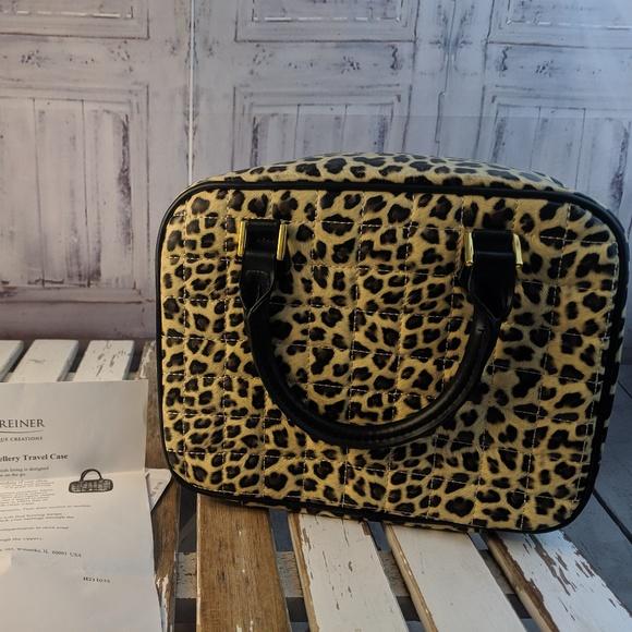 competitive price 4b9b2 fadfc Lori Greiner Jewelry makeup bag tote travel case j